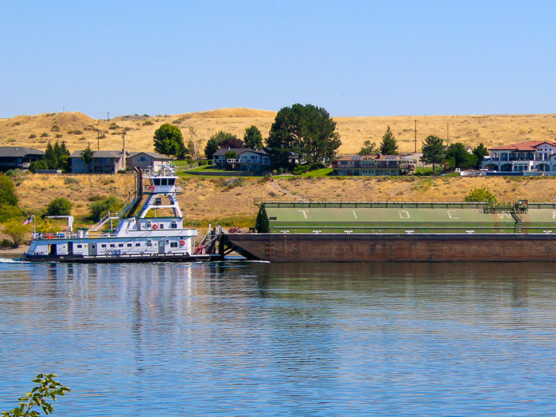 Tidewater Barge on the Columbia River near Richland