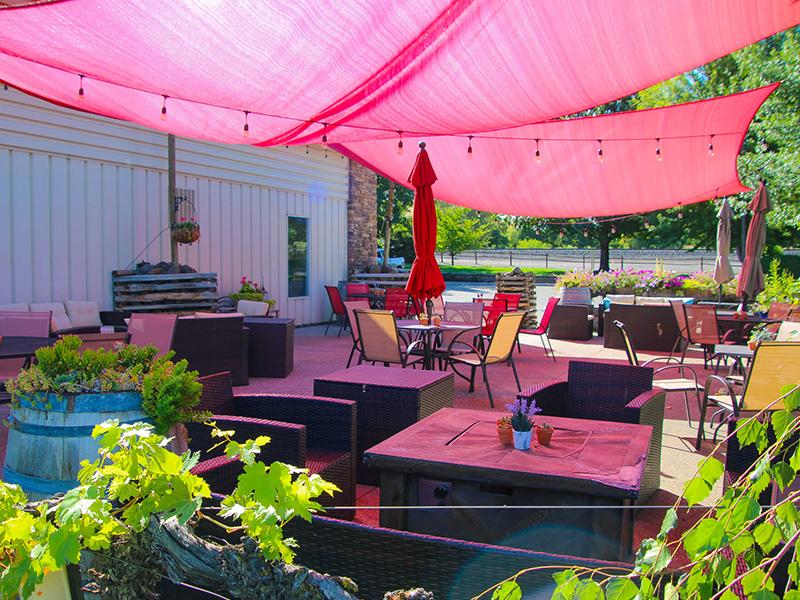 Prosser Wine Park patio